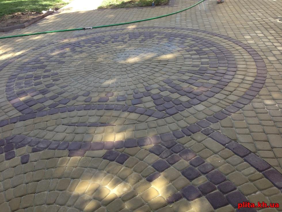 два круга из плитки